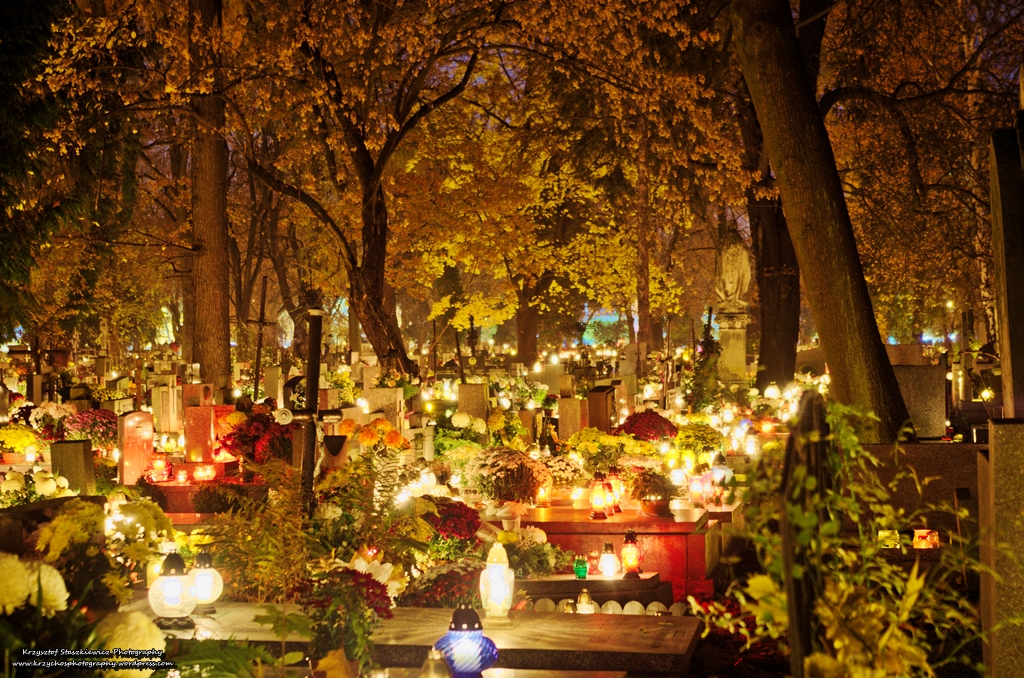 all-souls-day-cemetery-poland
